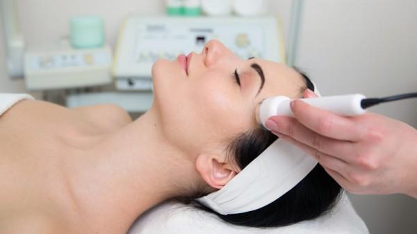 ultraschall-therapie-gesicht